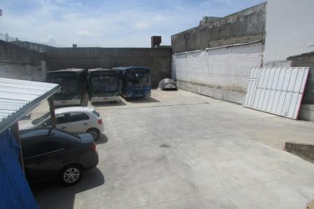 Ao lado do McDonald's e do Hotel Nobile Inn Pampulha.  Próximo ao campus da UFMG, UEMG, Fundação João Pinheiro, bancos e ao Aeroporto da Pampulha.   O lote é totalmente murado, tem topografia plana e área total de 675 m² com frente para a Av. Antônio Carlos.