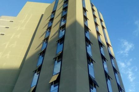 Prédio Comercial de alto luxo com 14 pavimentos. localizado na área hospitalar do Barro Preto e próximo ao Fórum da Justiça Estadual. Conta com 103 vagas de garagem, sendo 94 vagas em sistema rotativo e 9 privativas. Cada loja tem direito de uso de 3 vagas. Dispõe de 28 vagas para visitantes e estacionamento rotativo, podendo a renda ser revertida para o condomínio. Área construída total de 6.393,90 m², em terreno de 1.177,60 m²