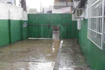 Excelente galpão 280m² com ótima localização de frente, 02 escritórios, 01 banho. Piso em cimento liso. Localização: próximo Avenida Pedro II.    Atualizado em 14/06/2018.
