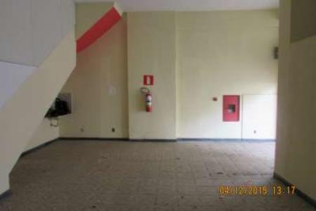 Excelente loja  constituída de dois pavimentos. Com aproximadamente 150 m²  banho social e porta de aço. Sendo o 1 pavimento com piso em cerâmica  e o 2 em piso grosso. Próximo do batalhão da polícia militar e da Rua Platina