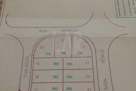 EXCELENTE LOTE/ÁREA  Área com aproximadamente 3.308 m².  Topografia plana. Ótima localização no bairro, esquina com Avenida principal.
