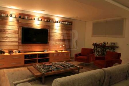 Casa em obra no Vila Castela com 750 metros quadrados e 3 pavimentos. Prazo de entrega 6 meses. Casa com vista cinematográfica.