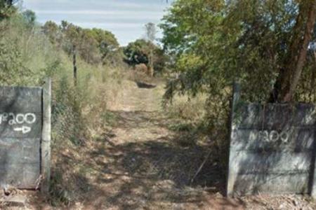 Ótima Localização Próximo ao Parque Vale Verde Lote: Lote com área de aproximadamente 9.420 m2, Coeficiente Construtivo de 1.5. Vocação para empreendimento comercial ou residencial  SAIBA MAIS SOBRE ESTE IMÓVEL EMAIL: lar@larimoveis.com.br  LAR IMÓVEIS LTDA. - Telefone: (31) 2129-2001 Rua Amparo, 176 - Barroca - BH - MG  SITE: www.larimoveis.com.br