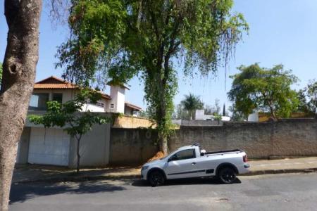 Lote plano, 1000m², próximo a Av. Otacílio Negrão de Lima, murado.