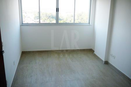 Prédio 100% revestido. 02 elevadores. Loja: No 1º andar com aproximadamente 145m², 02 banhos com piso em cerâmica e bancadas em granito.