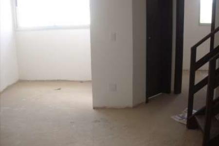 PRONTO PARA MORAR LOCAL: Próximo a todo tipo de comércio e UFMG. PRÉDIO: Sobre pilotis. Revestido em cerâmica e pintura. Interfone. Portão eletrônico. Elevador. Apto duplex. 02 vaga de garagem. 1º PISO: Sala para 02 ambientes com piso em laminado. Escadaria para 2º piso em madeira. 01 quarto com piso em laminado.  Banho social com paredes azulejadas até o teto e piso em granito. Cozinha com bancada em granito, paredes azulejadas até o teto e piso em cerâmica. Área de serviço conjugada com cozinha no mesmo acabamento. 2º PISO: 03 quartos com pisos em laminado sendo 01 suite 01 com closet. Banho suite com paredes azulejadas até o teto e piso em granito.  MAIORES INFORMAÇÕES: LAR IMÓVEIS LTDA. - Telefone: (31) 3232-2001 Alameda das Palmeiras, 717 - São Luiz / Pampulha - BH/MG. SITE: www.larimoveis.com.br  EMAIL: lar@larimoveis.com.br