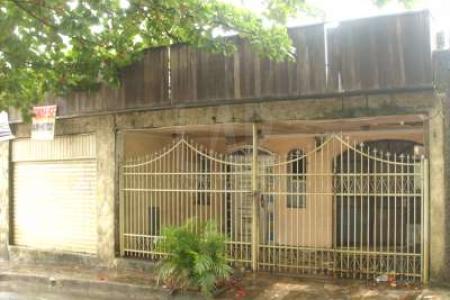LOTE: Terreno com 360 m², 12 m de frente e 30 m de fundo. Possui uma casa antiga. Zoneamento ZAP.  MAIORES INFORMAÇÕES: LAR IMÓVEIS LTDA. - Telefone: (31) 3232-2001 Alameda das Palmeiras, 717 - São Luiz / Pampulha - BH/MG. SITE: www.larimoveis.com.br  EMAIL: lar@larimoveis.com.br