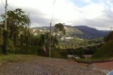 Condomínio Vila do Conde  Excelente condomínio com acesso pela MG-030 e pela BR-040. Próximo ao BH Shopping. Lote com área de 1.245m²