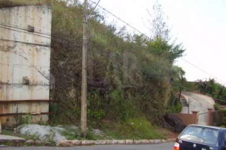 *** CONDOMÍNIO MAIS PRÓXIMO DE BH***              EXCELENTE LOCALIZAÇÃO           O MELHOR CONDOMÍNIO DE BH - VILLA CASTELA - LOTE: com 1.226m² pequeno aclive, condomínio com arquitetura mais premiada de Minas Gerais, vista fantastica, projeto de construção já aprovado.  20m² frente 18,70m² fundo 59,33 lateral direita 54,68 lateral esquerda. 1.126,04