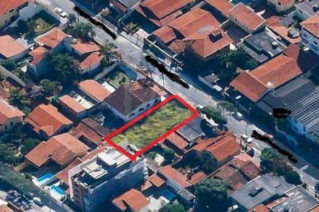 ***EXCELENTE LOCALIZAÇÃO, PRÓXIMO AO COMÉRCIO*** Um dos únicos terrenos da região, com área de 360m², 12 metros de frente e fundo, todo murado.    SAIBA MAIS SOBRE ESTE IMÓVEL LAR IMÓVEIS LTDA. - Telefone: (31) 3232-2001 Av. Alameda das Palmeiras, 717 - Pampulha - BH - MG  SITE: www.larimoveis.com.br  EMAIL: lar@larimoveis.com.br