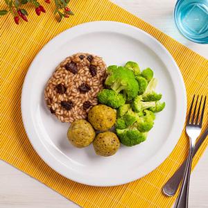 Foto De Almôndega De Tempê + Risoto Funghi + Brócolis No Vapor Congelada