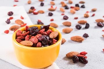 Amêndoa, cranberry e goji berry