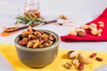 Castanha de caju, castanha do Pará e amendoim - Caramelizado + Alecrim  + Goji berry