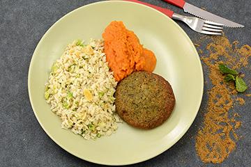 Falafel + Purê de cenoura com gengibre + Arroz integral com amêndoas e brócolis