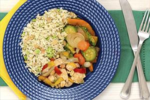Frango Xadrez + Arroz integral com amêndoas e brócolis + Mix de legumes assados