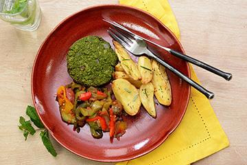 Hambúrguer de ervilha com hortelã + Batata rústica com alecrim + Ratatouille