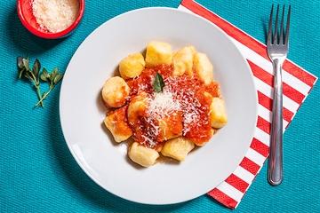 Nhoque de mandioquinha + Molho de tomate