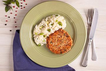 Hambúrguer de salmão + Risoto de abobrinha