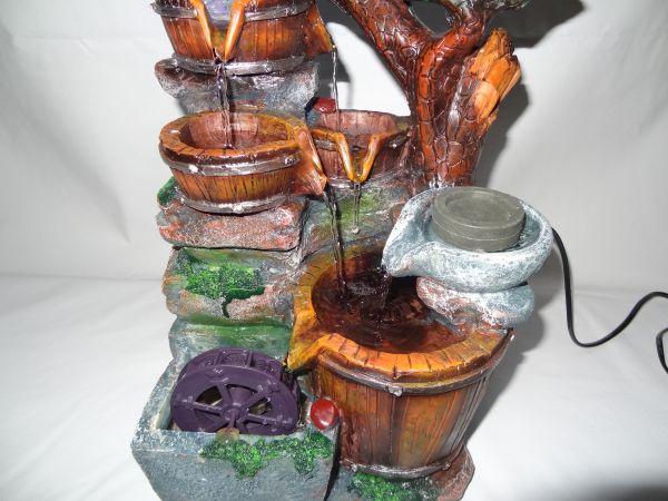 Fonte de Resina com Led e Cristal 25x38 cm - Modelo 107G