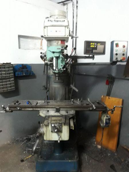 Fresadora Ferramenteira DIPLOMAT Iso 30 Semi-Nova