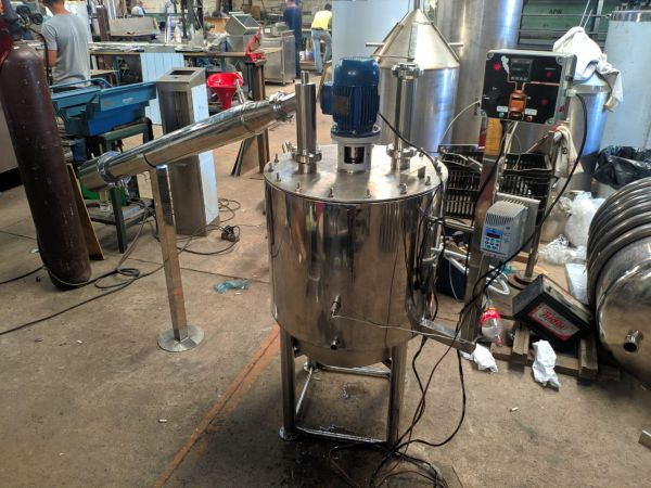 destiladores em aço inox 100 lts