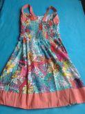Vestido estampado com rosas(costa)