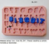 d. Alfabeto com 1,cm a letra