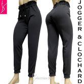 calça preta estilo jogger/clochard (46),cintura e tornozelos com elástico.
