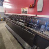 Dobradeira CNC AMADA 100 Ton x 4000 mm Usada
