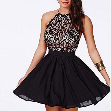 Vestido preto com brilho curto para festa