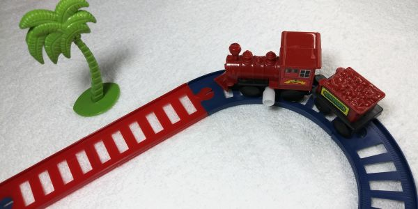 Jogo de trenzinho -  mini jogo de trem goal kids com 9 peças