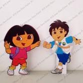 2 Displays de mesa - Dora, a Aventureira