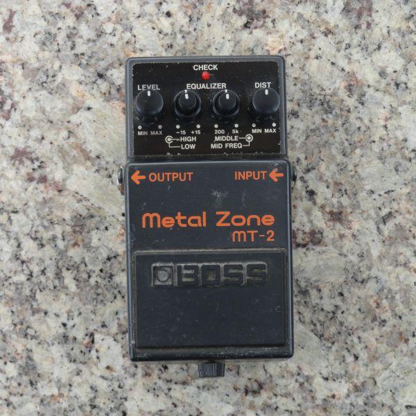 Pedal Guitarra Distortion Boss Metal Zone MT-2 - USADO