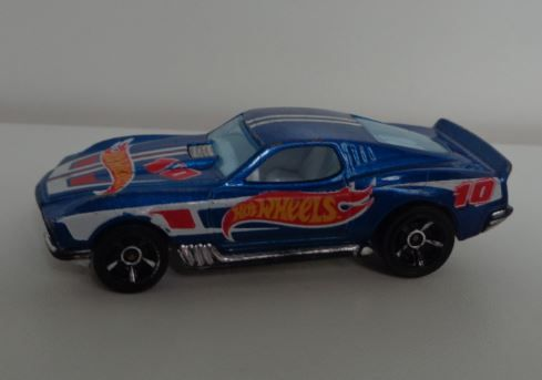 Hot Wheels -1/64 Blvd.bruiser 3
