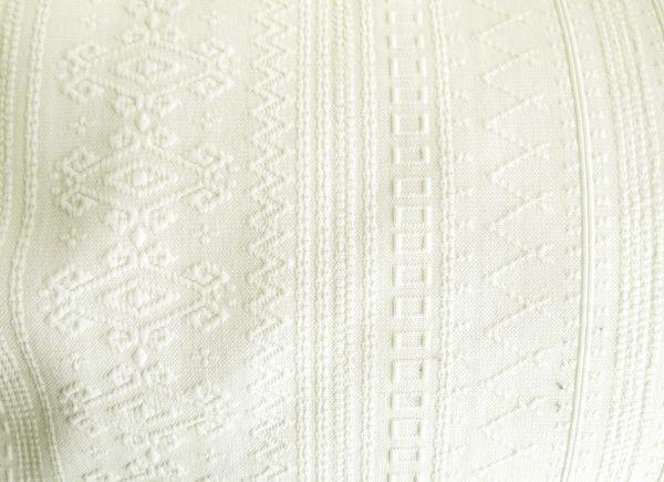 calça feminina  branca offwhite (46)cintura alta, tecido jacquard arabescos geométricos grosso