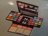 Kit De Maquiagem Glamour Ruby Rose - Hb-9225
