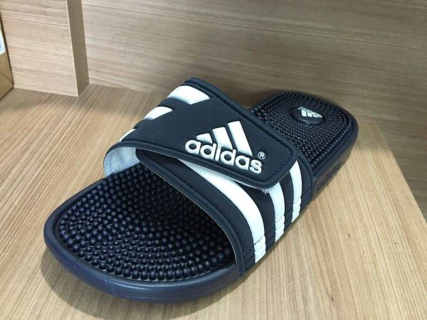 cbd9bbea89b Chinelo Adidas Adissage Azul Escuro - Outlet Ser Chic
