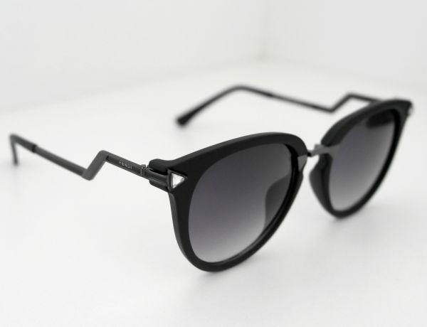 0dd21ada9 Óculos de sol feminino Fendi Preto Inspired - Daf Store