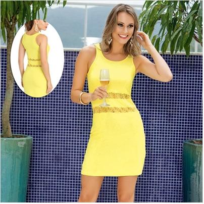 Vestido justo de renda amarelo