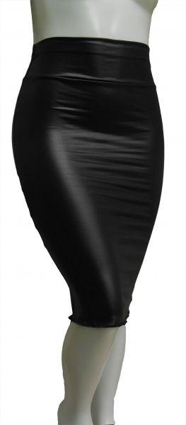 saia lápis preta em cirrê (P-M-G), cintura alta, brilho semelhante ao couro.