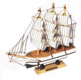 Navio Caravelas de Madeira Branco
