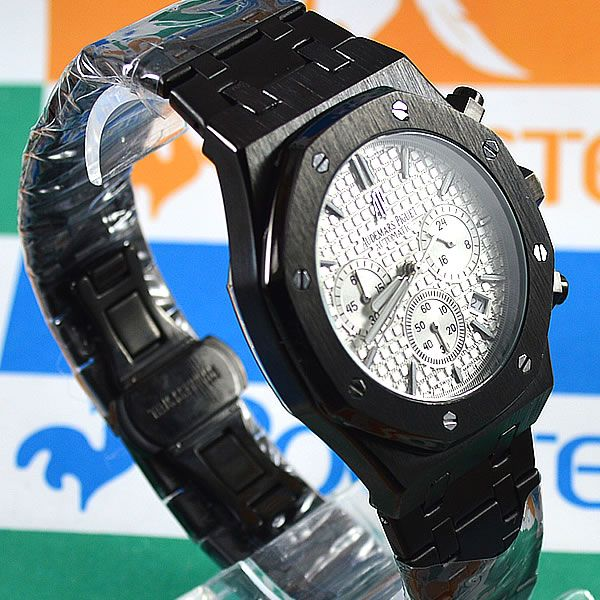 9f638f32965 Relógio Audemars Piguet Royal Oak Funcional Preto Fundo Branco Pulseira Aço  Masculino À prova d´