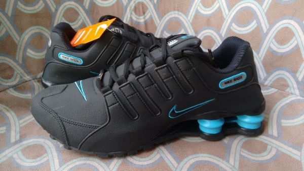 f5a46b467 Tênis Nike Shox Junior NZ Preto c  Azul - Outlet Ser Chic