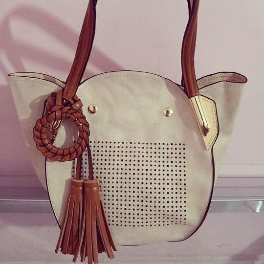 0327b54ca Bolsa Ana Luxory (Creme) cod. 10030 - MM Boutique