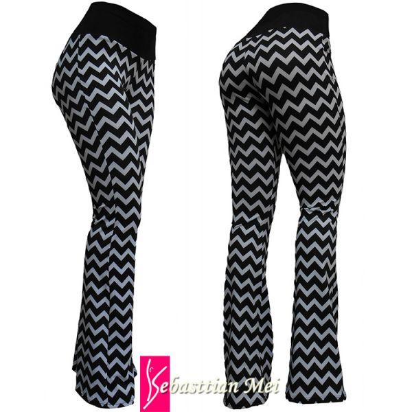 Calça flare ou reta (44) estampa geométrica preto e branco, cintura em preto, tecido suplex