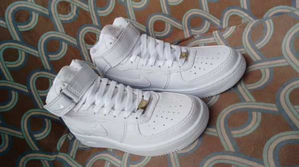 5c88474d7c3 Tênis Nike Air Force Cano Alto Branco - Outlet Ser Chic