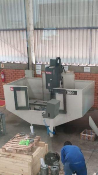 Fresadora CNC SUNLIKE F-1000 Usada
