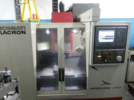 Centro de usinagem vertical CINCINNATI MILACRON ARROW 500
