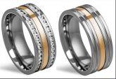 4509/4418- alianças de aço cirúrgico polido com fio de ouro e pedras no tamanho feminino.