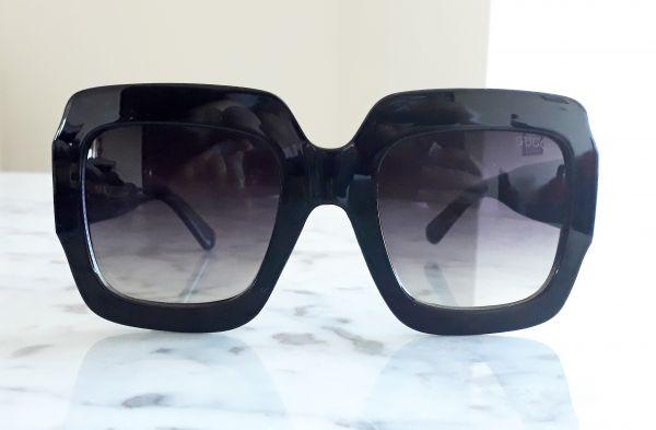 4d974818256fd Óculos de sol feminino Gucci Máscara Quadrado - Daf Store